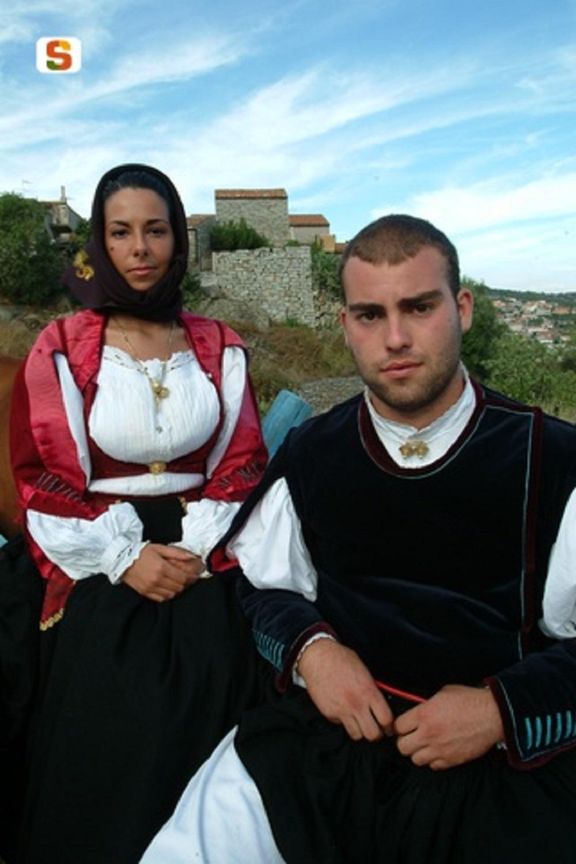 Orotelli, costume tradizionale - Fonte www.sardegnadigitallibrary.it