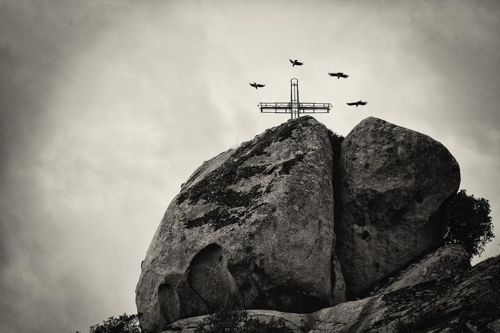 Orotelli, gruppo roccioso crastidorzi - Foto web