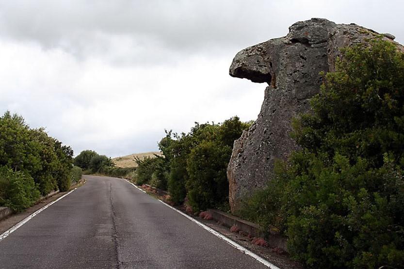 Orotelli. roccia denominata il Totem - Fonte www.lamiasardegna.it