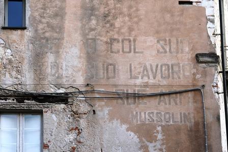 Lo sapevate? Cagliari, quartiere Castello, che cosa c'è scritto nel Palazzo Onnis Chapelle?