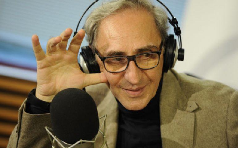 Franco Battiato: femore e bacino rotti, salta il concerto di Brescia