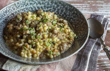 La ricetta Vistanet di oggi: fregula con salsiccia, piatto classico sardo facile e saporito