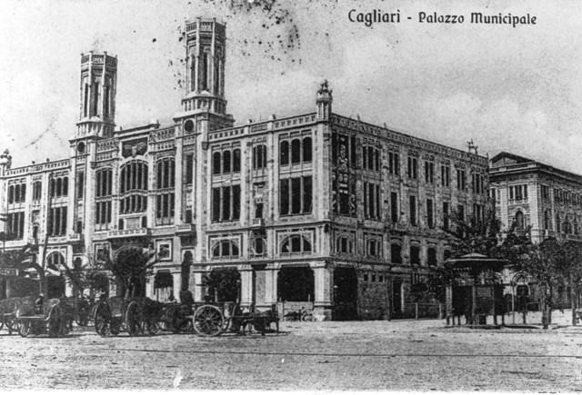 Accadde oggi: il 14 aprile 1899, viene posata la prima pietra di palazzo Bacaredda