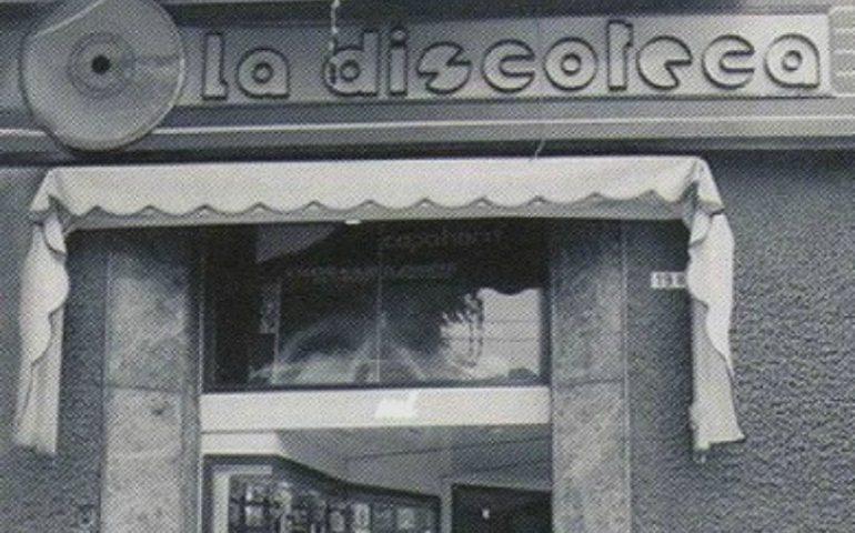 La Cagliari che non c'è più: via Dante, angolo via Cimarosa, La Discoteca. Uno dei negozi più amati dai giovani