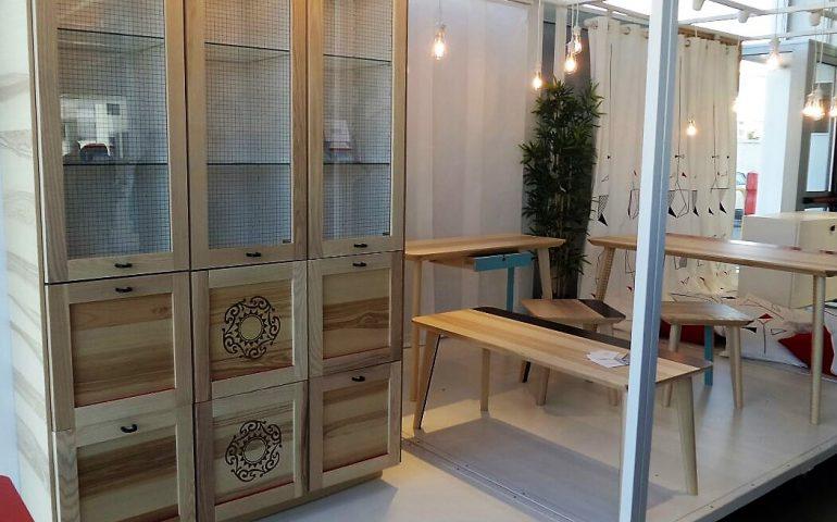Credenza Colorata Ikea : Sardiska u hacking ikea i mobili reinventati in chiave sarda