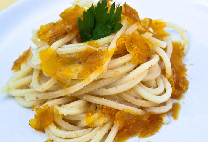 La ricetta Vistanet di oggi: spaghetti alla bottarga, un piatto facile e saporito che non tradisce mai