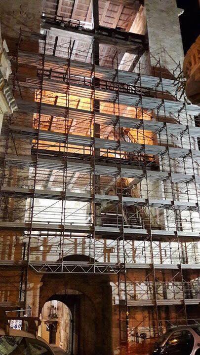 Il restauro sulla Torre dell'Elefante