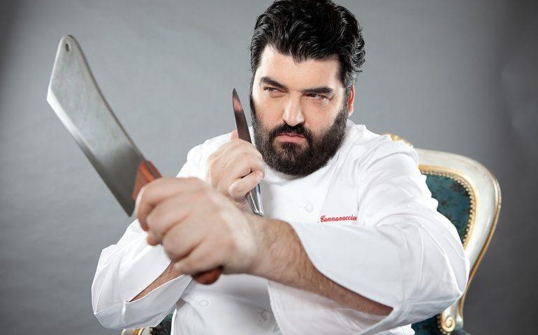 Prodotti presentati freschi ma in realtà surgelati: chef Cannavacciuolo si becca 2 denunce dopo controlli di Nas e Carabinieri