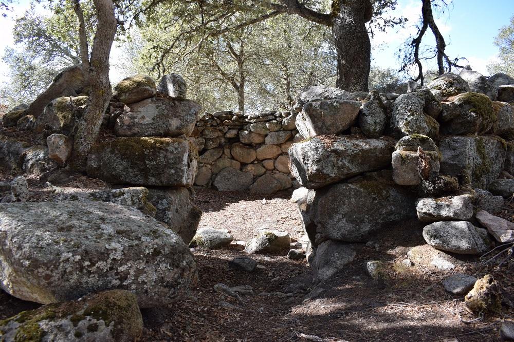 Orune, Sant'Efis, capanna nuragica - Fonte www.sardegnaturismo.it