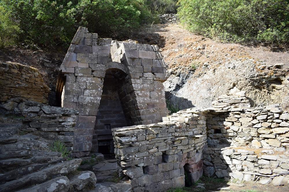 Orune, Su Tempiesu, fonte sacra - Fonte www.sardegnaturismo.it