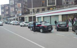 Tentano di rubare scooter in via Paoli