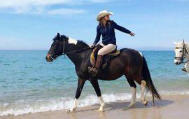 LAVORO a Cagliari. Cow Girls fatevi avanti: un'associazione equestre cerca proprio voi!