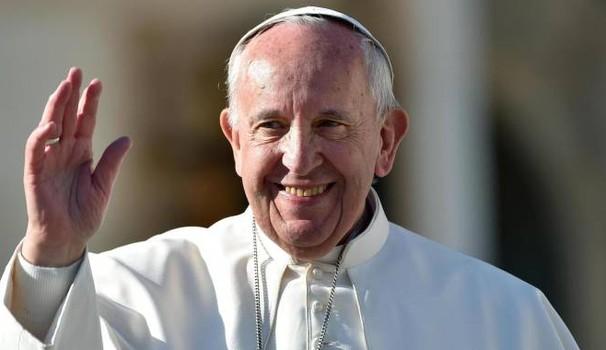 Papa Francesco compie oggi 81 anni. Gli auguri e la torta ...