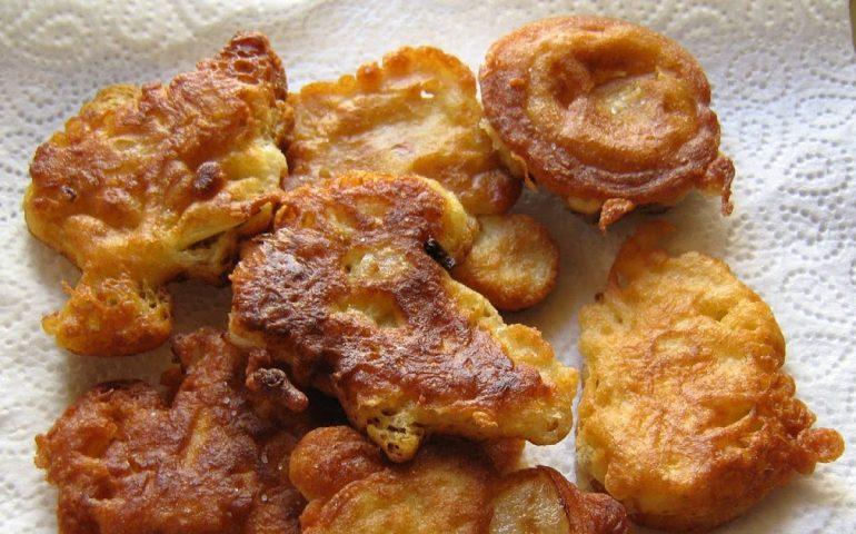 La ricetta Vistanet di oggi: frittelle di cipolla e patate, una prelibatezza con ingredienti semplici