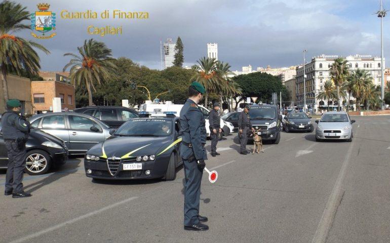 Guardia di Finanza: sequestri di droga tra aeroporto, stazione e porto di Cagliari. 6 le persone segnalate