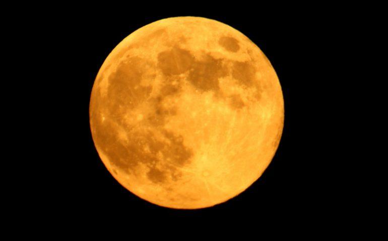 Questa sera tutti col naso all'insù per ammirare l'unica Superluna del 2017