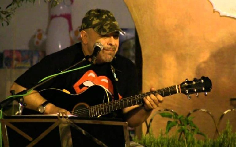 """Vistamusic, Vittorio Pitzalis: """"Iniziai a 18 anni grazie a Eric Clapton. Difficile suonare in Sardegna. Mai pensato ad un disco, ma…"""""""