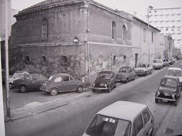 La Cagliari che non c'è più: l'ex mattatoio di via San Lucifero in una foto degli anni Settanta