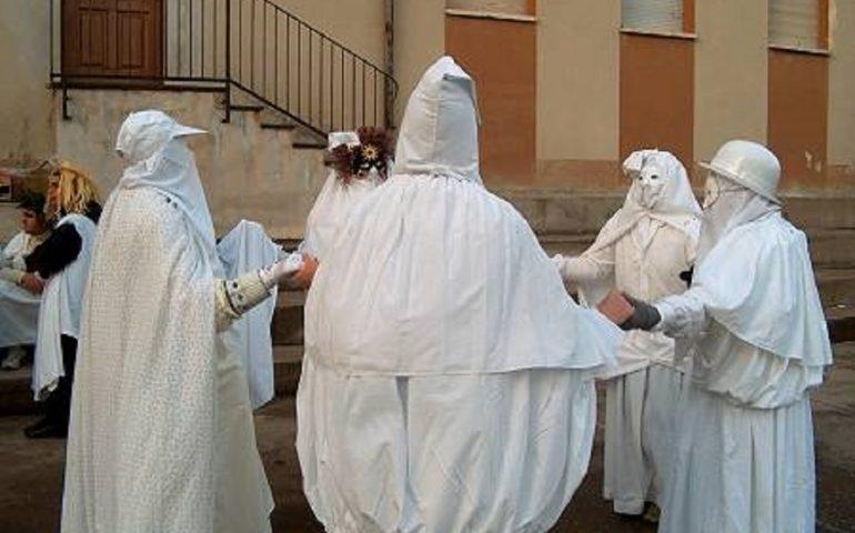 Carnevale in Sardegna: scopriamo quello di Aidomaggiore, con la maschera a Lenzolu