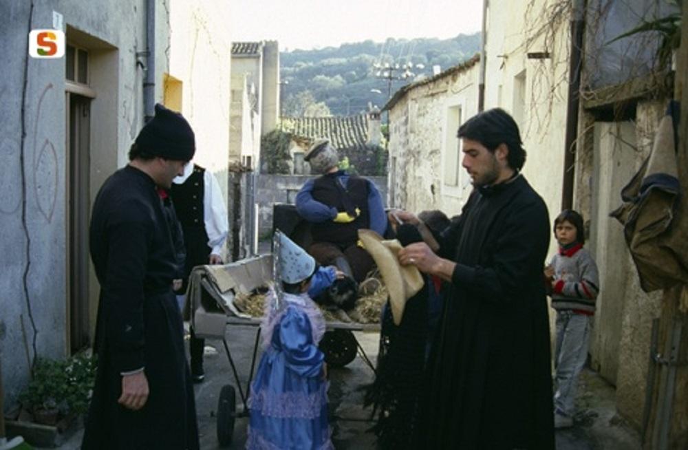 Aidomaggiore, scene del carnevale - Fonte www.sardegnadigitallibrary.it