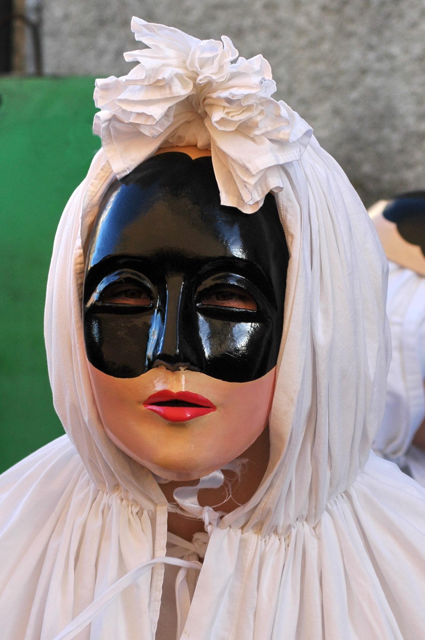 Altra variante della maschera a Lenzolu - Cristiano Cani ph.