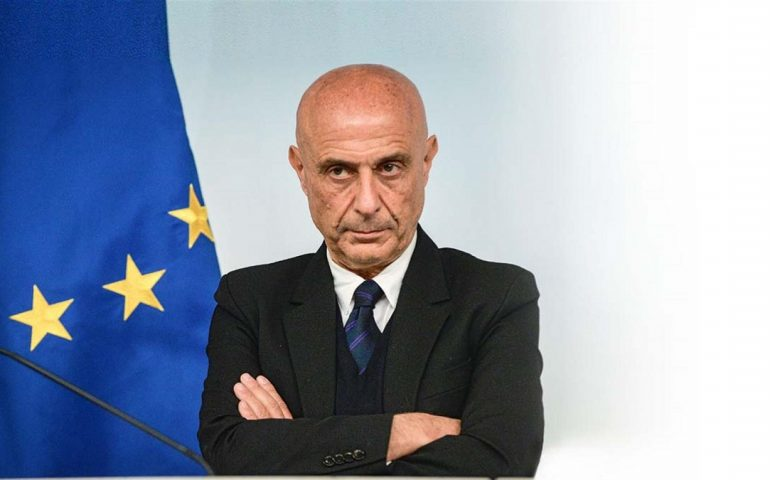 Allarme intimidazioni e attentati ai sindaci sardi: Minniti in Sardegna giovedì 18 gennaio