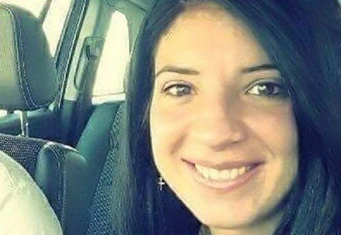 Monastir, ultimo addio a Barbara Desogus, la giovane madre morta dopo un tragico incidente stradale