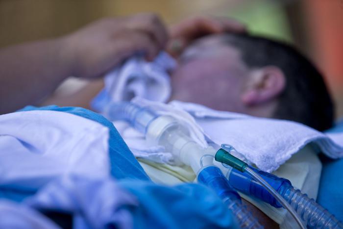 """""""Staccate la spina"""": il Tribunale accoglie la richiesta di un malato di sla di Iglesias. L'uomo si è spento tenendo la mano della moglie"""