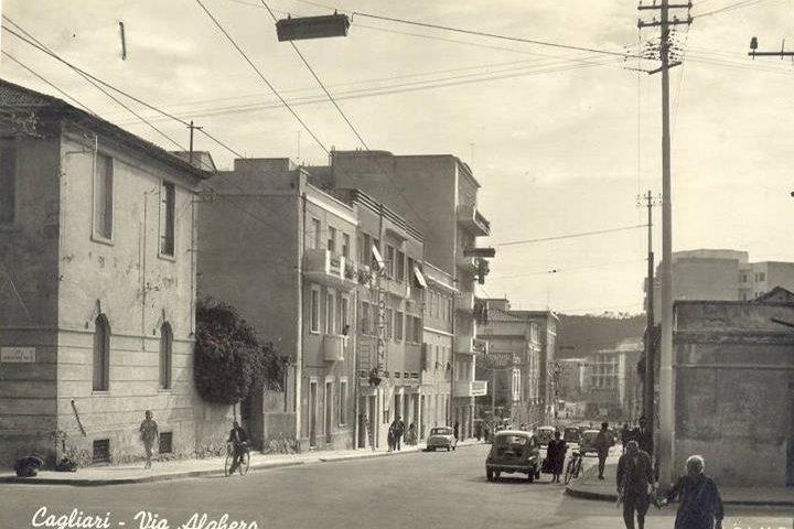 La Cagliari che non c'è più: via Alghero in una foto dei primissimi anni Sessanta