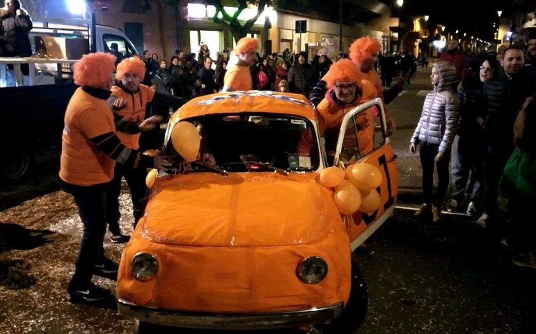 Risultati immagini per costume carnevale auto