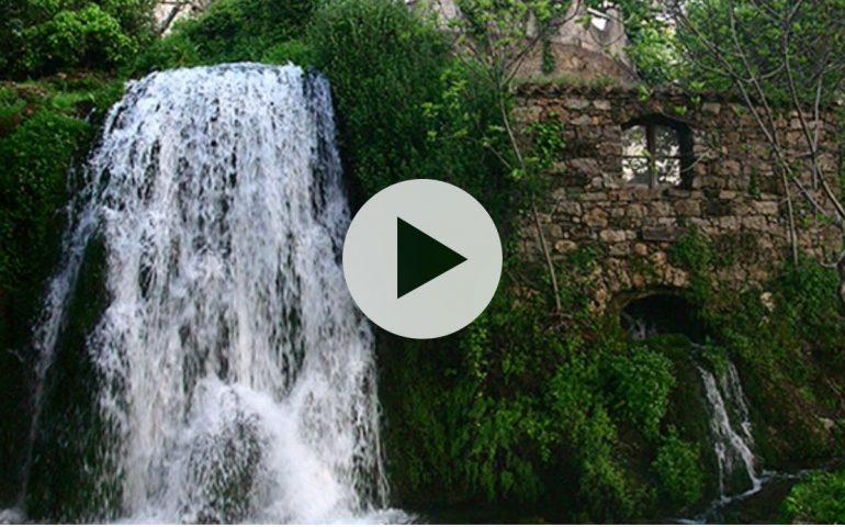 """San Valentino, il Patrono di Sadali detto """"Su Santu coiadori"""", che dà anche il nome alla cascata (VIDEO)"""