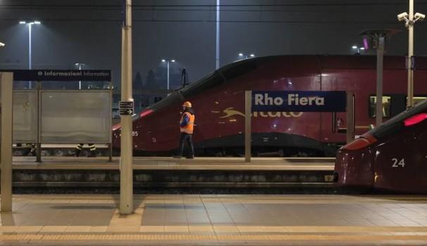 Tragedia a Milano: ragazzo di origini sarde travolto da un treno mentre attraversa sui binari