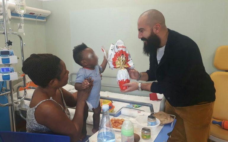 Uova di Pasqua e tanti sorrisi per i bambini ricoverati all'ospedale Microcitemico