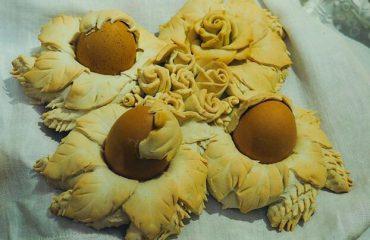 La video-ricetta di Vistanet: Coccoi cun s'ou, il pane della tradizione pasquale