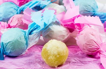 La ricetta Vistanet di oggi: i gueffus, dolci tipici della tradizione sarda a base di mandorle e zucchero