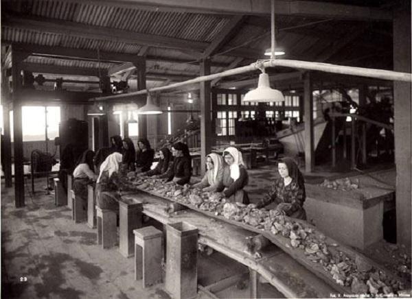 La tragedia di Montevecchio: l'8 marzo sardo, in quella tragica occasione morirono 11 lavoratrici