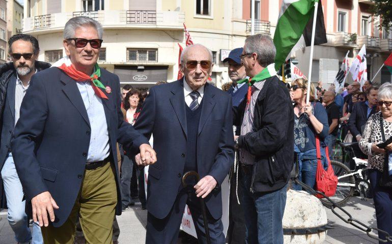 """Auguri di lunga vita a Nino Garau """"Geppe"""", il partigiano cagliaritano che liberò Spilamberto"""