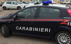Inseguimento per le vie di Pirri. Con un'auto rubata tentano di speronare i carabinieri e poi fuggono a piedi