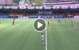 Gol di Andrea Valocchia durante il torneo di calcio a 7 ad Hong Kong