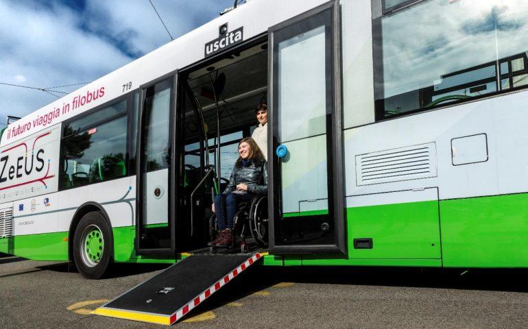 Disabilità e diritto alla mobilità: gli autobus Ctm saranno accessibili a tutti. Via anche le barriere architettoniche su strada