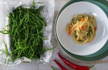 La ricetta Vistanet di oggi: spaghetti agli asparagi di mare, un piatto saporito e particolare