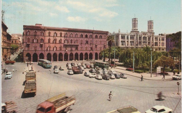 La Cagliari che non c'è più: una bella immagine di piazza Matteotti nel 1962