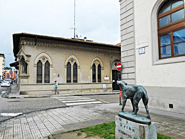Piazza_Dante_e_Monumento_a_Fido