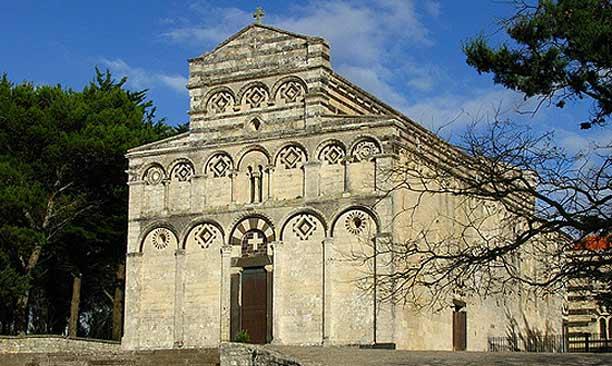 Vacanze in convento, lontani dal caos, vicini a sè stessi: in Sardegna esiste un solo monastero che offre ospitalità, sapete dove?