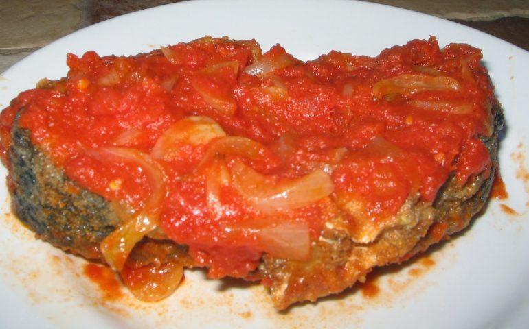 La ricetta Vistanet di oggi: pisci a scabecciu, piatto tipico della cucina cagliaritana