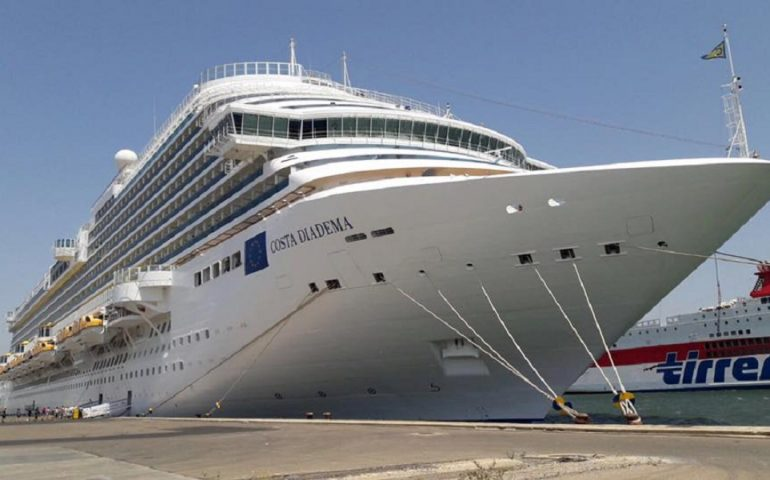 """È arrivata a Cagliarila""""Costa Diadema"""", la nave più capiente,ammiragliadella flotta diCosta Crociere"""