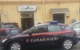 Scassina i distributori automatici con un cacciavite. Arrestato a Cagliari un giovane di Assemini