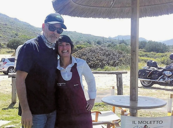 I gusti di George Clooney in Sardegna: il divo adora la tartare di tonno e il Carignano