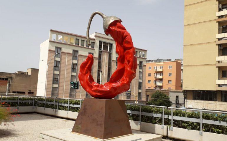 All'Orto Botanico arrivano le opere di Giuseppe Carta, lo scultore dei mega peperoncini