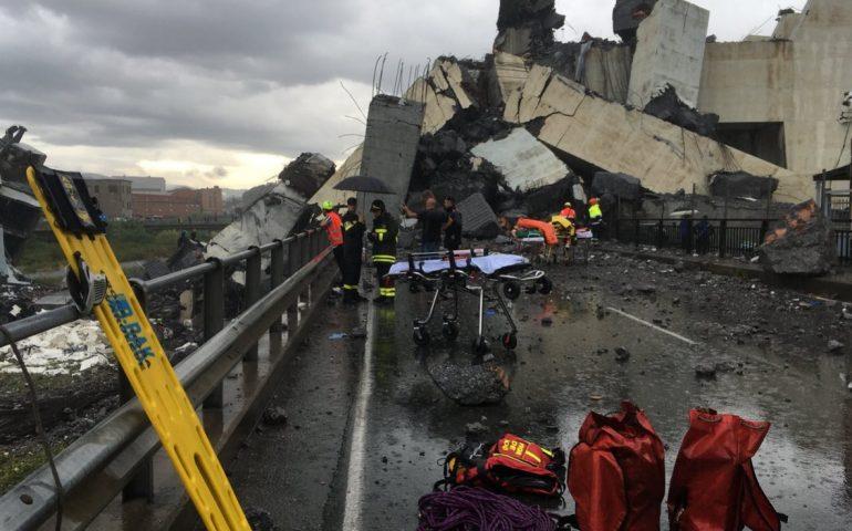 """Toti scrive ad Autostrade: """"Bisogna abbattere subito quel che rimane del ponte Morandi"""""""